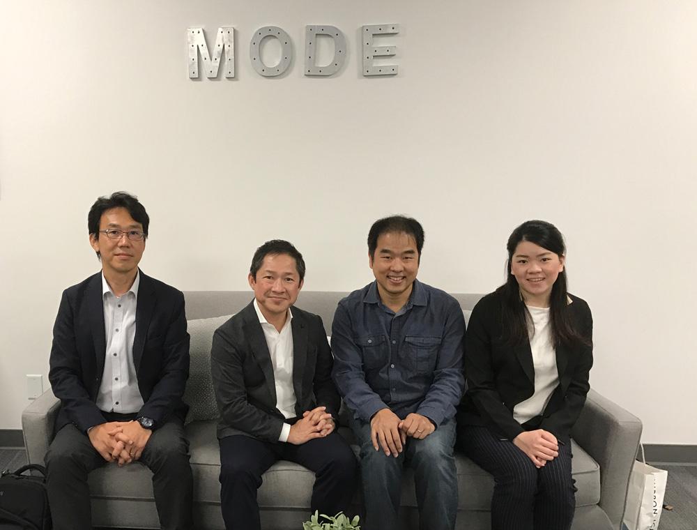 MODE社と記念撮影